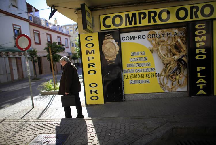 2012-11-28T120000Z_259764217_GM1E8BS1QVA01_RTRMADP_3_OECD-SPAIN