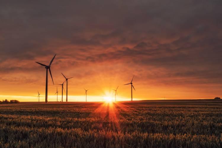 Turbina eólica - Photo by Karsten Würth on Unsplash
