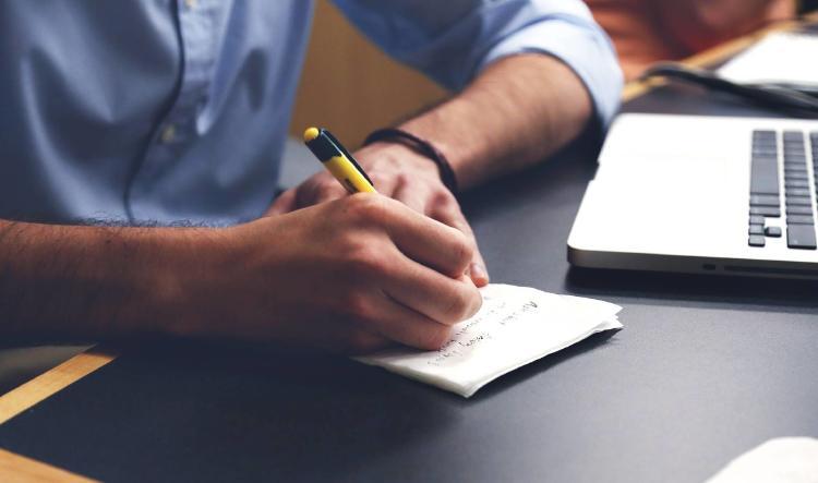 escribir-plan-escritorio-autonomo-trabajador