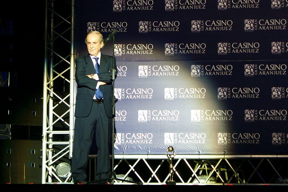 José María García recibió un premio a su trayectoria profesional