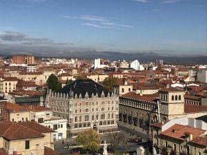 León 2, Ciudad
