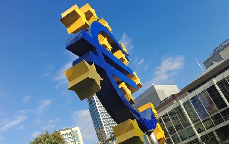 EUROPA - Photo by Mauro Sbicego on Unsplash