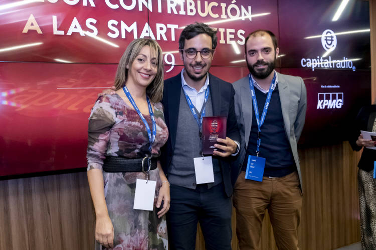 2019-12-12 PREMIOS CAPITAL RADIO 56