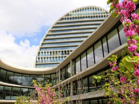 Bbva gestiona un ajuste de personas en 2016 for Bbva cierre oficinas