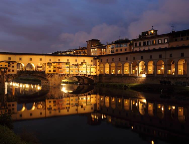 Ponte_Vecchio_at_dusk_1
