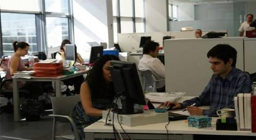 trabajadores-oficina.jpg