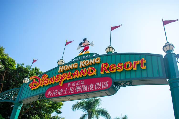 Disney y Hong Kong - Photo by Kon Karampelas on Unsplash